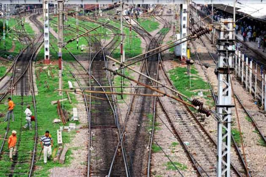 Rs 63,363-cr annual plan for Railways in 2013-14