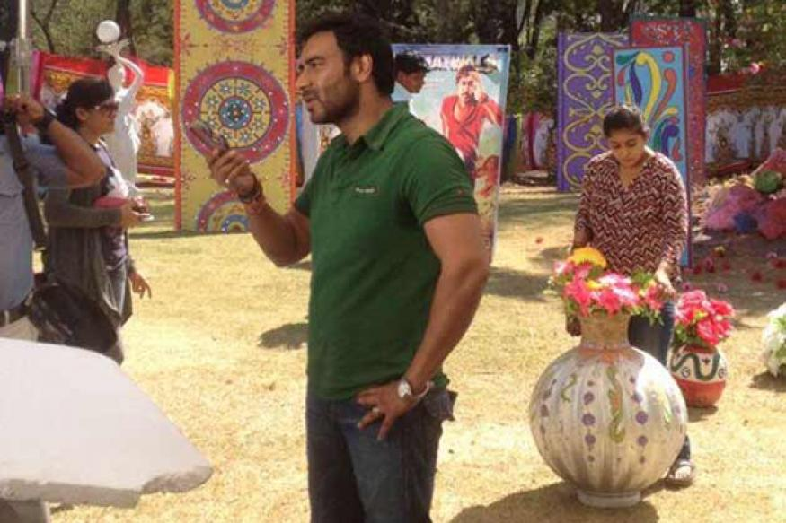 Snapshot: Ajay on the sets of 'Tarak Mehta Ka Ooltah Chashmah'