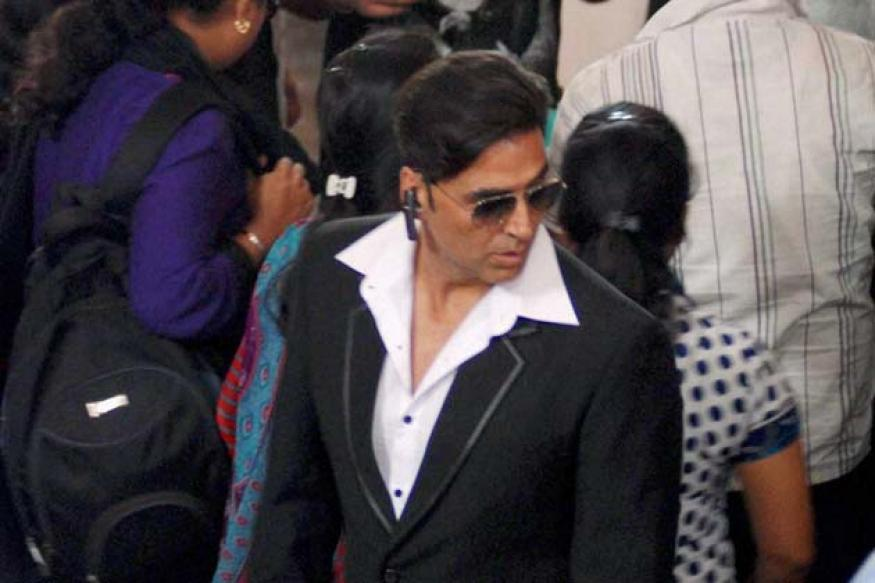 Snapshot: Either that's Akshay's new haircut or a bad wig
