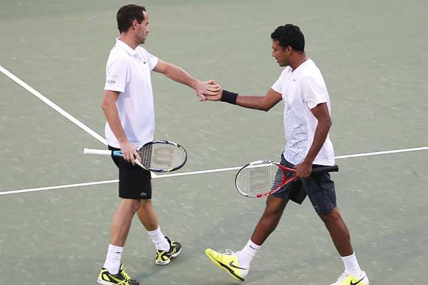 Bhupathi-Llodra win doubles title at Dubai Championships