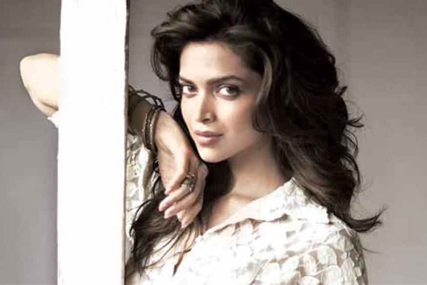 Deepika, Katrina can make football sexy: Suneil Shetty