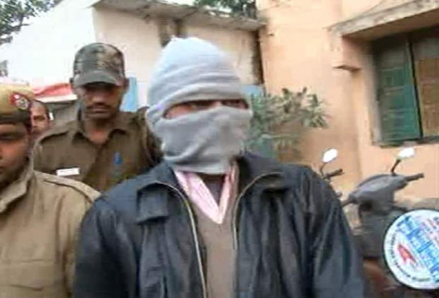 Delhi gangrape accused Mukesh admitted to hospital