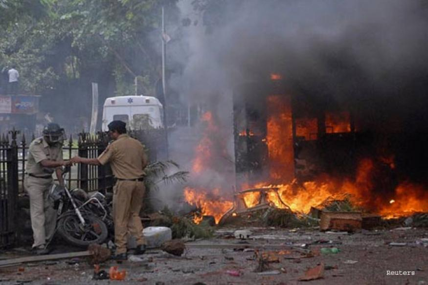 Bombay High Court ex-judge to probe Dhule riots