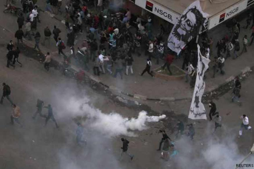 Egypt: Over 120 injured in clashes between activists, Islamists