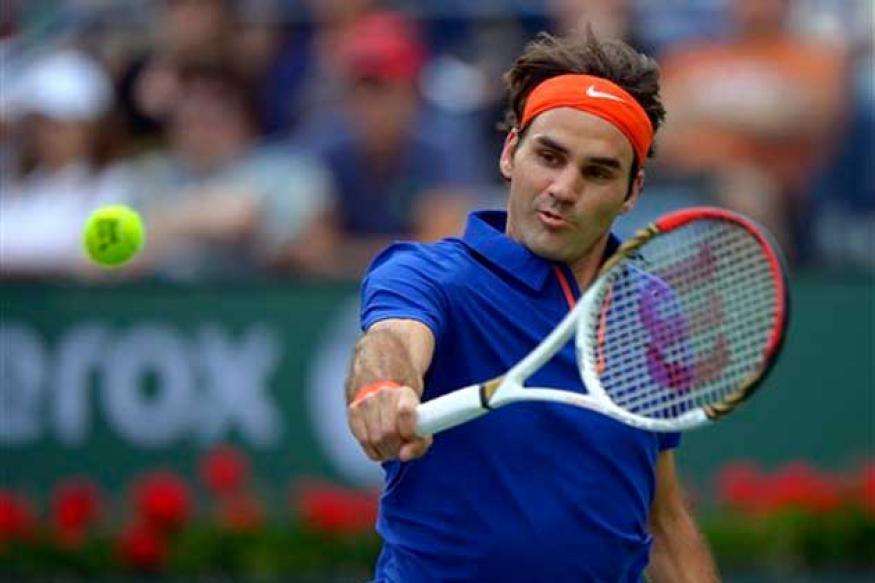 Roger Federer cruises, David Ferrer loses at Indian Wells