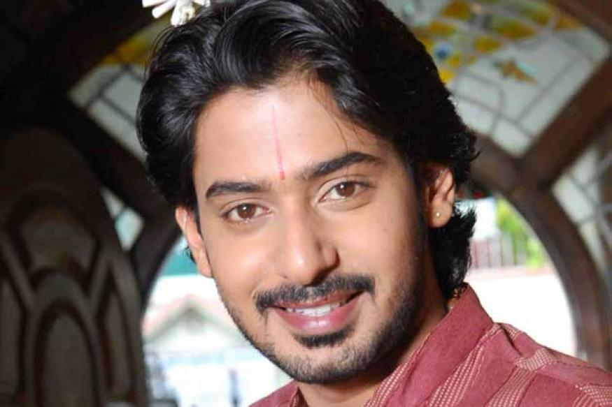 prajwal devaraj height in feet