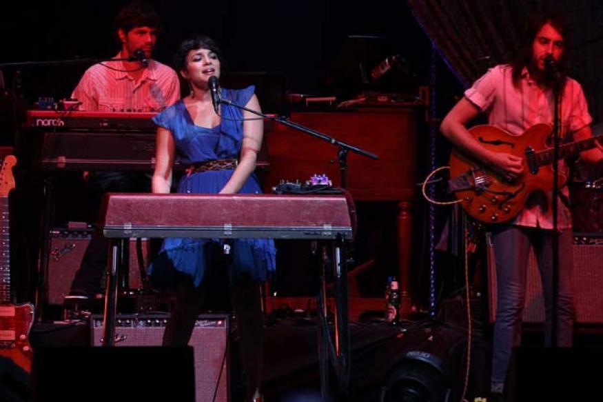 Snapshot: Norah Jones performs in Mumbai
