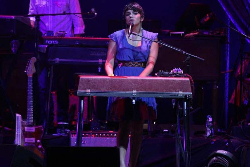 Norah Jones enthralls Mumbai with maiden Indian gig