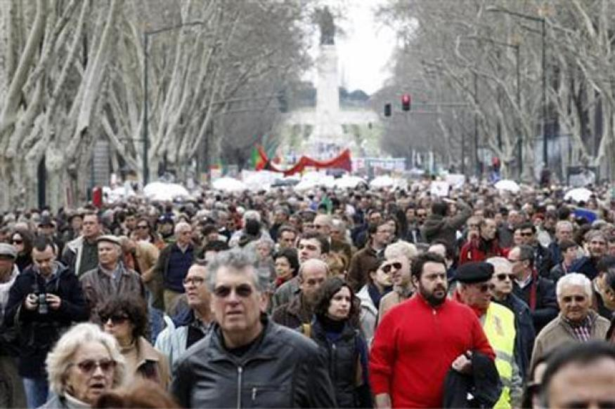 Portuguese march against austerity, demand govt step down