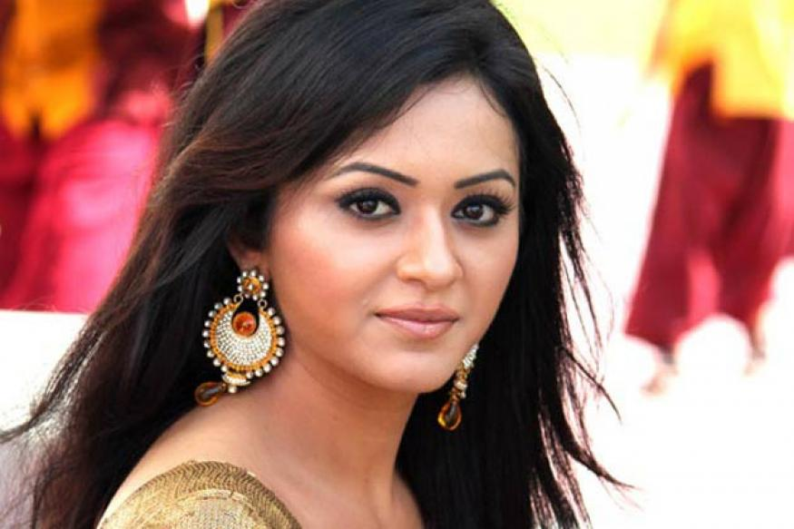 Actress Ragini Nandawani completes shooting a Tamil film