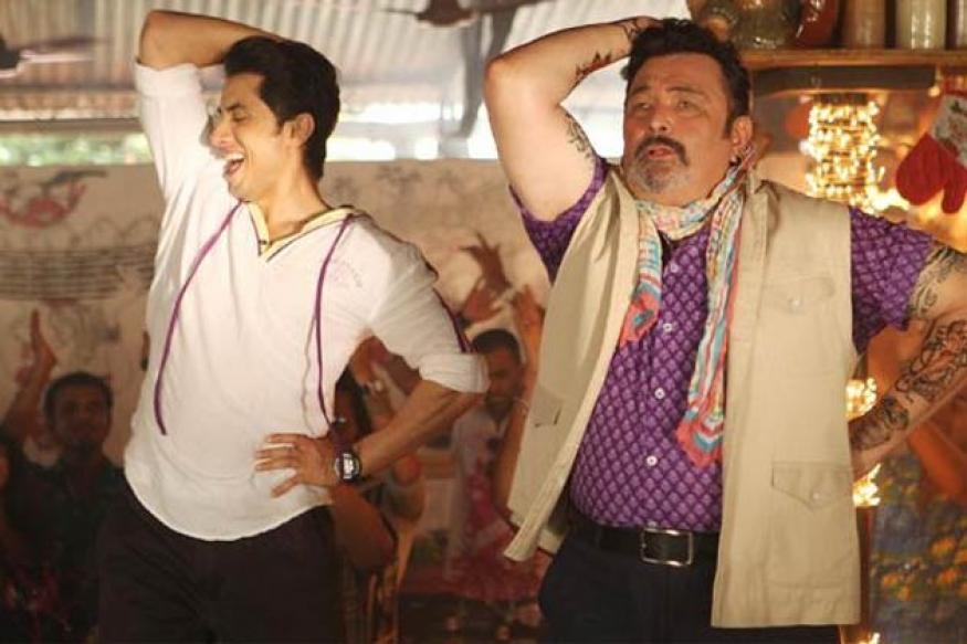 Snapshot: Rishi Kapoor's tribute to dad Raj Kapoor in 'Chashme Baddoor'