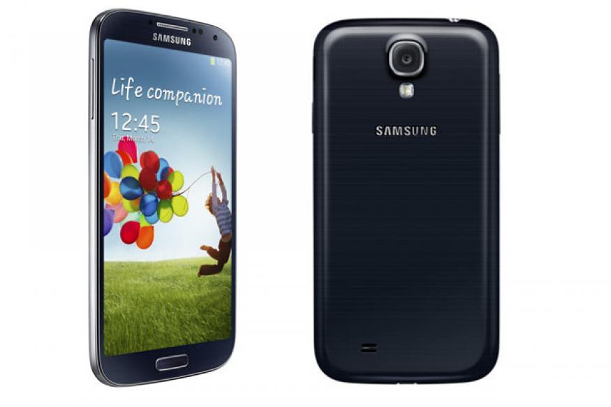 Samsung Galaxy S4 vs Apple iPhone 5 vs HTC One vs Galaxy S III