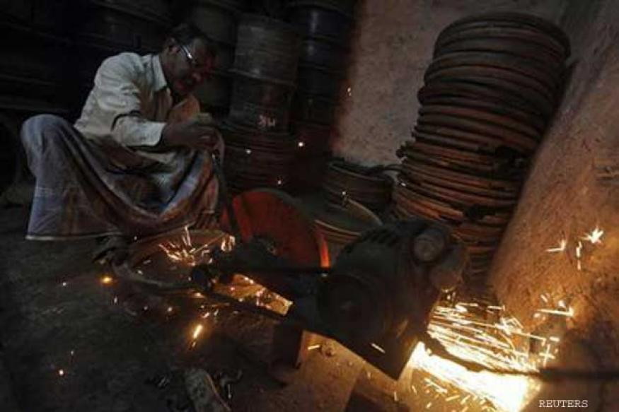 HSBC, Morgan Stanley cut India's FY14 GDP forecasts