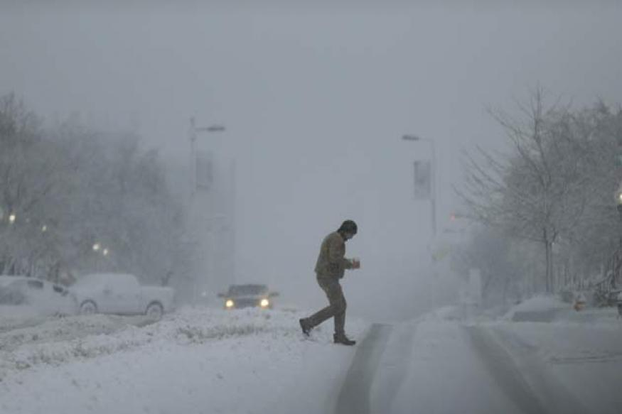 US: Deadly snowstorm heads for Washington