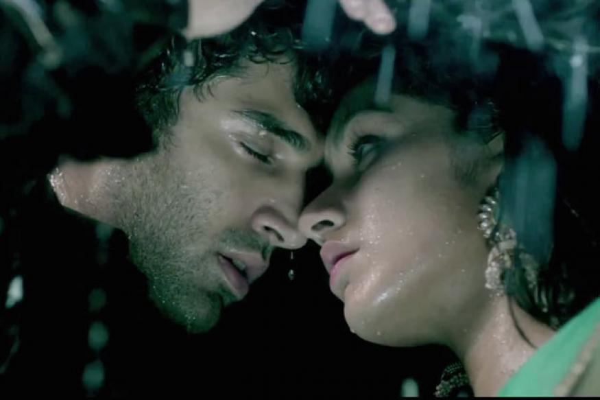 'Aashiqui 2' collects Rs 13 crore in opening weekend