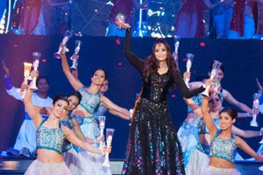 Aishwarya Rai stuns everyone with TOIFA performance