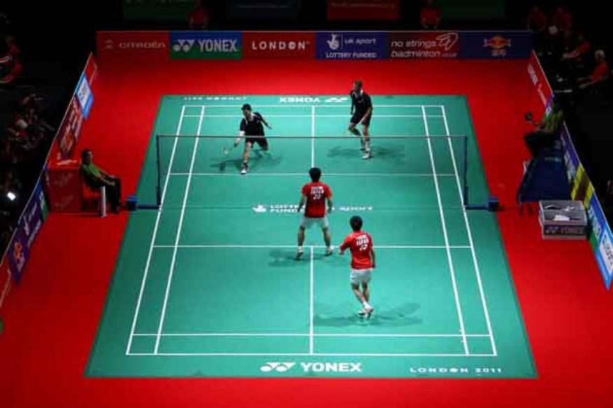 Badminton set for line-call review system
