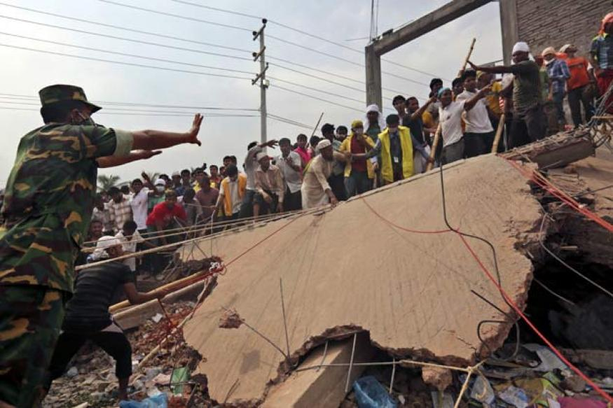 Bangladesh building collapse: Death toll rises to 352