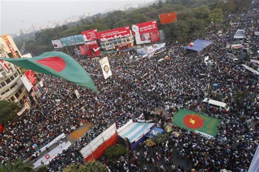 Bangladesh: Editor of pro-Opposition daily arrested