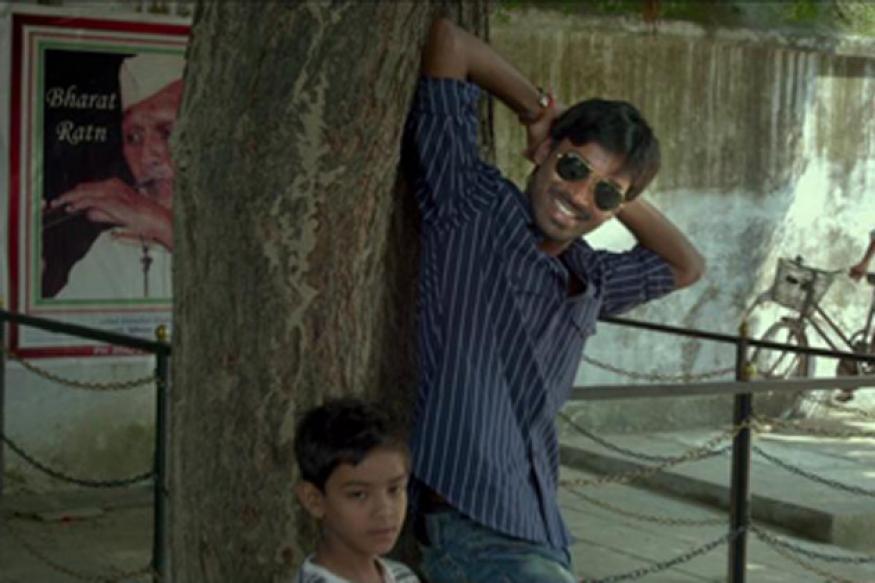 Snapshot: Dhanush makes Sonam smile in 'Raanjhanaa'
