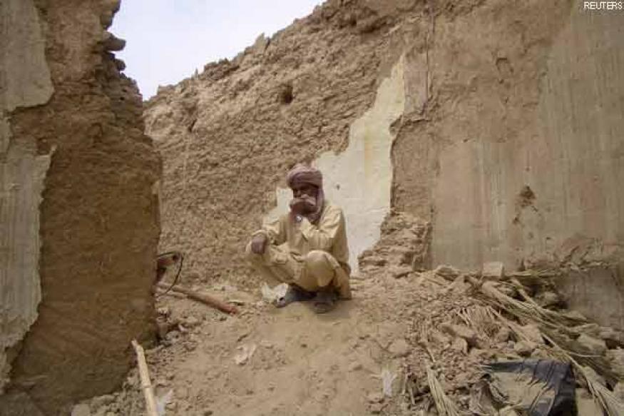 Aftershock rocks Pakistan after massive Iran earthquake