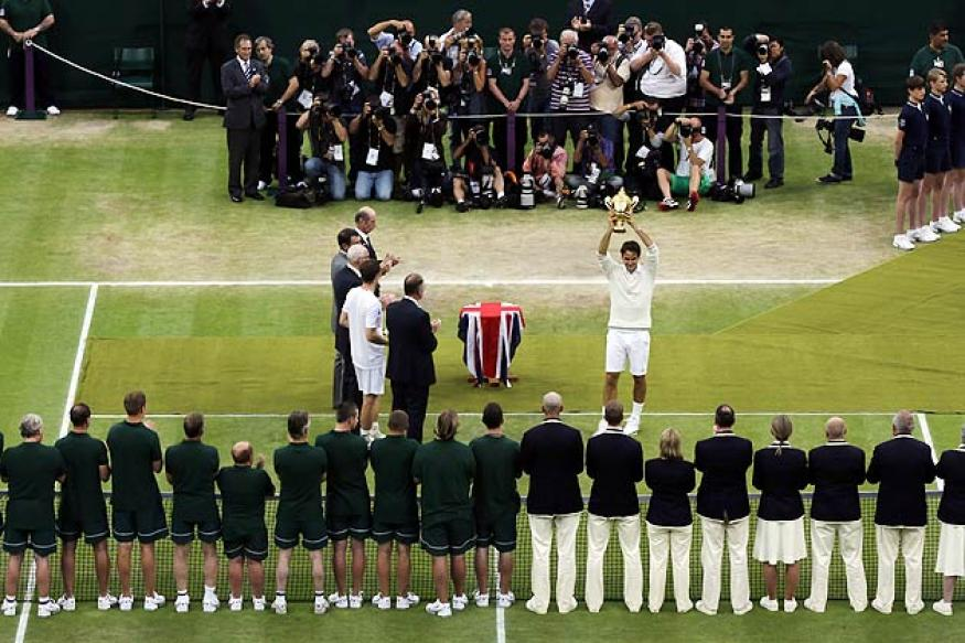 Wimbledon prize money increases by 40 percent
