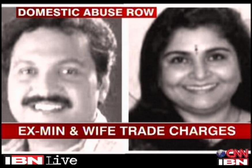 Kerala: Ex-minister moves toward settlement with wife