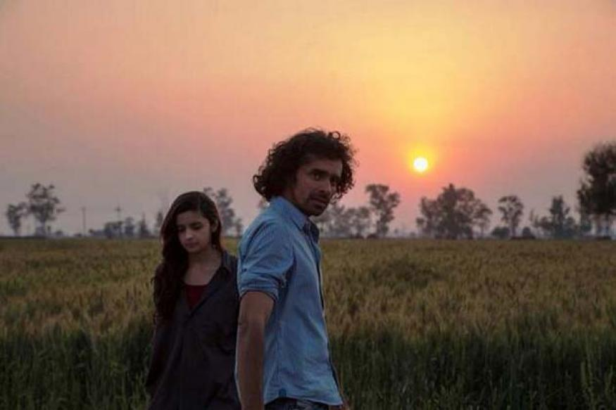Snapshot: A completely deglam Alia Bhatt shoots with Imtiaz Ali for 'Highway'