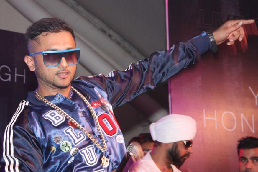 Nearly 150 Honey Singh fans climb on stage at his Dubai concert creating chaos