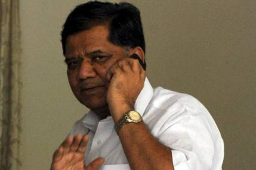 Karnataka CM Jagadish Shettar owes wife Rs 6.96 lakh