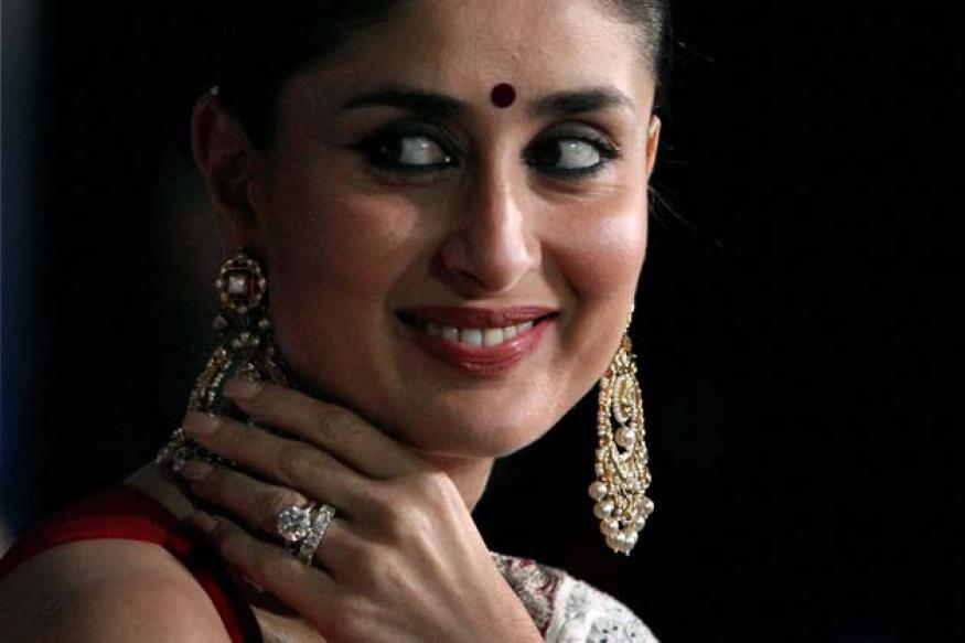 Snapshot: Sari-clad Kareena seen wearing a huge solitaire