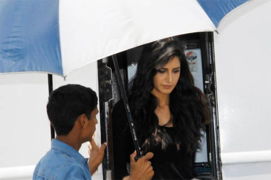Snapshot: Katrina Kaif drops in at 'good friend' Ranbir Kapoor's set