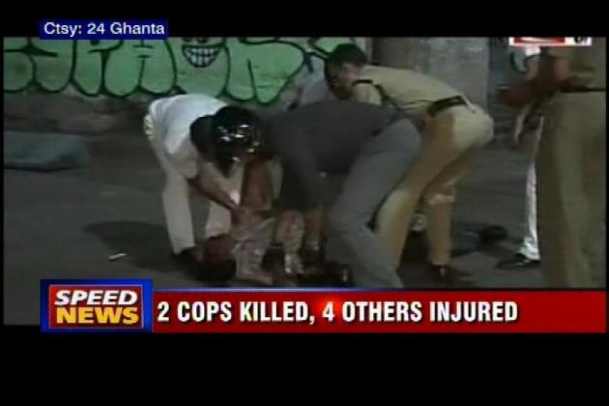 Kolkata: Two policemen killed as their car hits a tanker