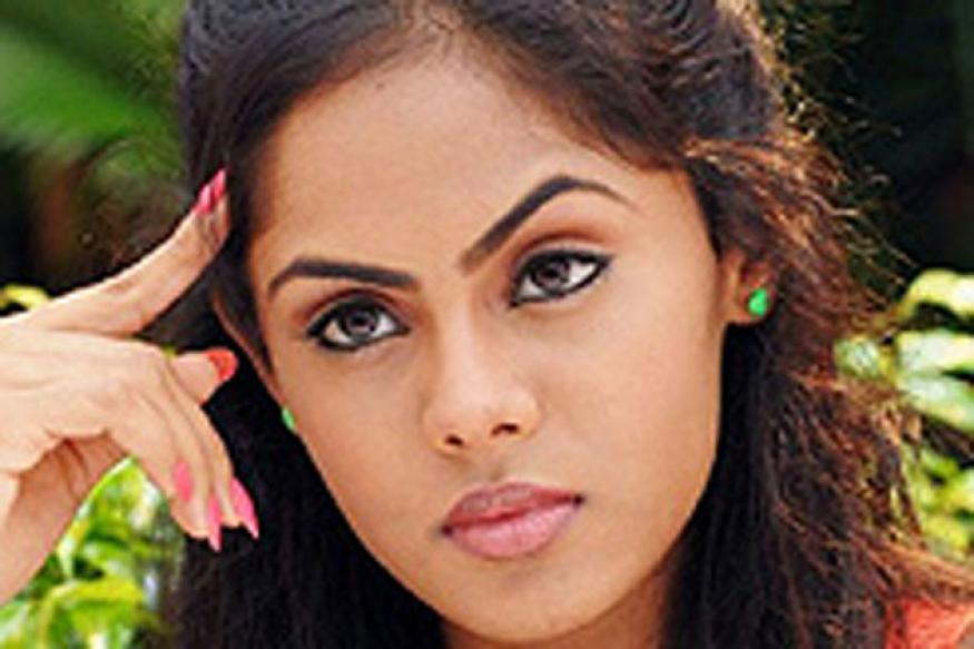 Karthika rubbishes rumours on sister's behalf