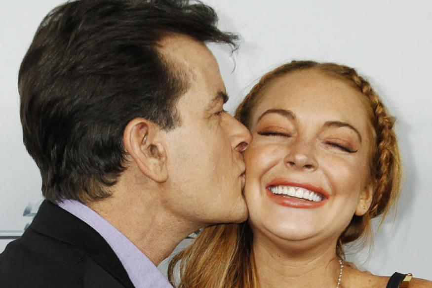 Lohan, Sheen cosy up at the premiere of 'Scary Movie 5'