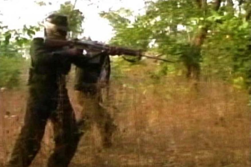 Jharkhand: Encounter between Naxals, security forces; 3 dead