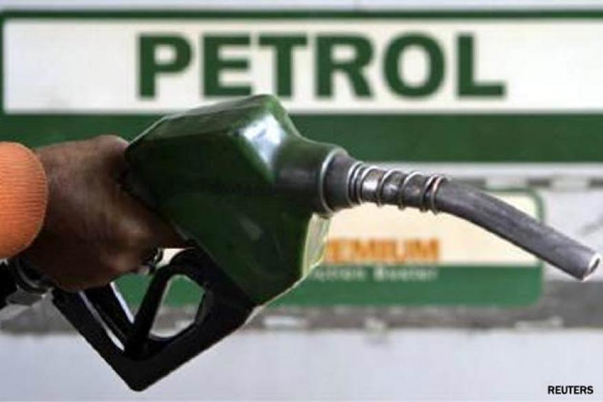 Petrol price cut by Rs 1 per litre