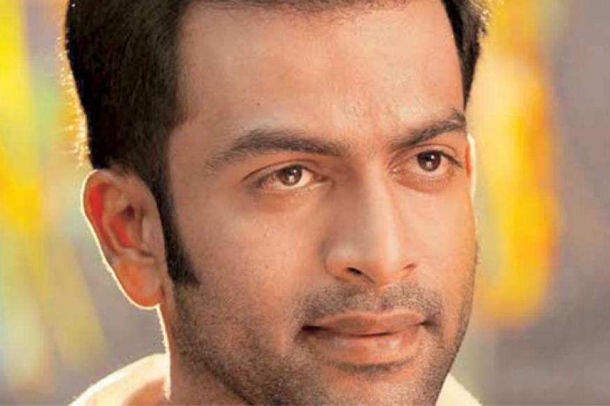 Southern actor Prithviraj to offer a script to Big B