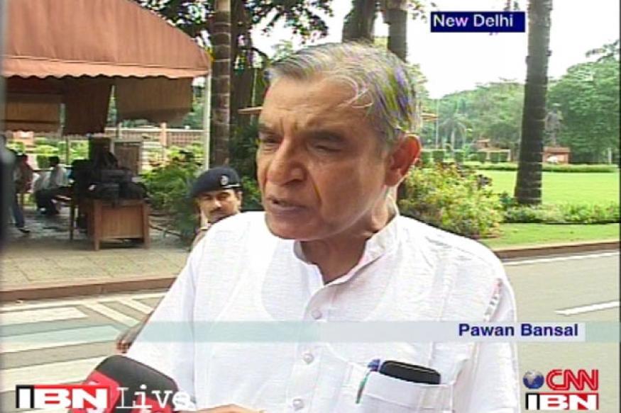 Ensure cleanliness, Bansal tells rail officials