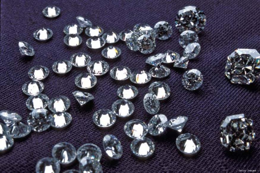 US: 80-yr-old woman wins, swallows one-carat diamond