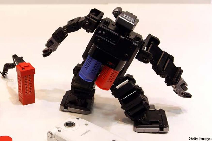 Indian academic develops intelligent robots in UK