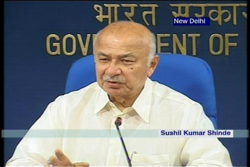 Jat protesters breach security, enter Shinde's house; 142 arrested