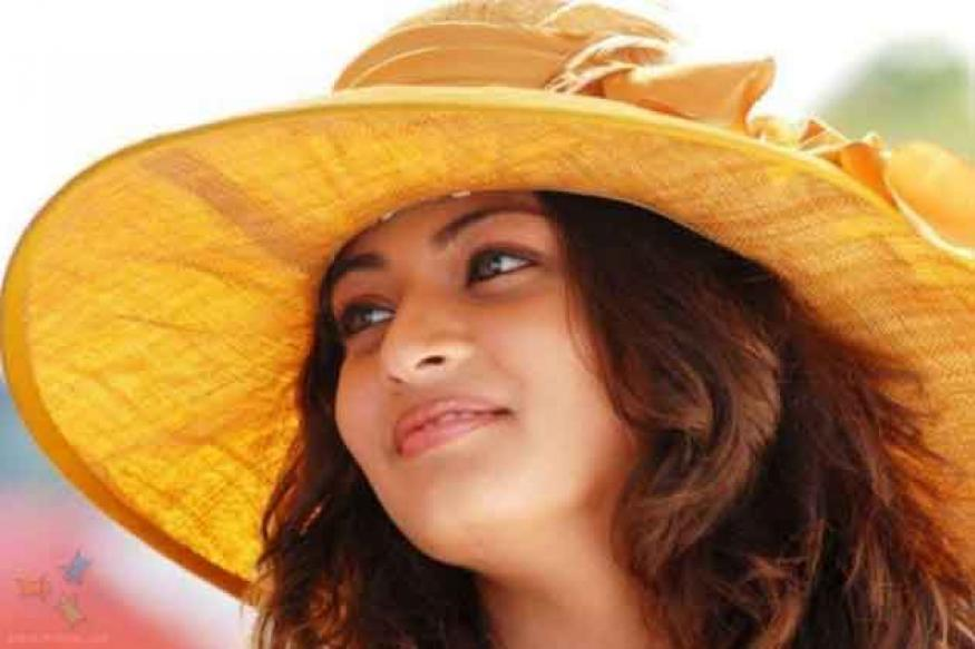 Sneha Ullal to play the lead in 'Antha Nee Maayalone'