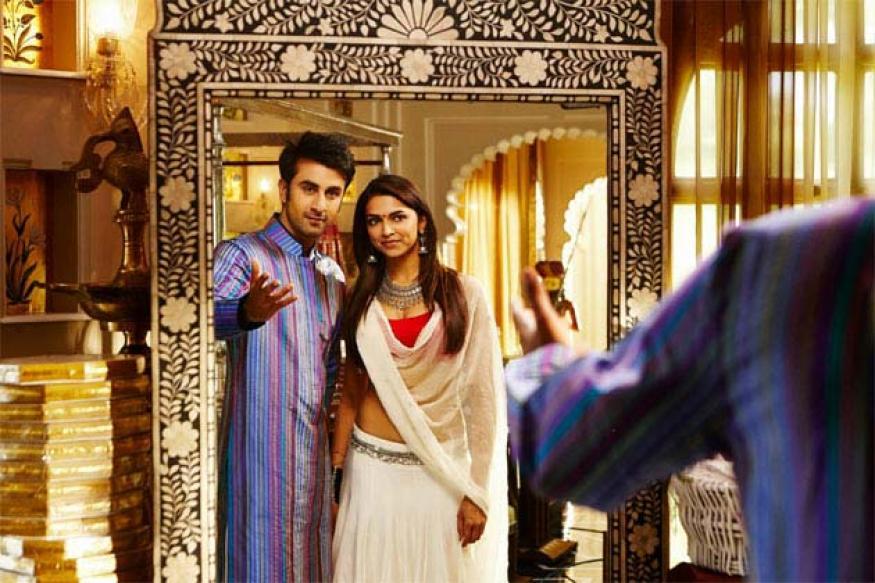 Deepika Padukone dubs for 'Yeh Jawaani' in SRK's van