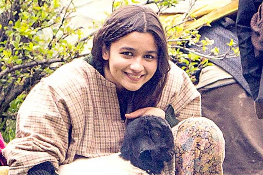 Snapshot: Is that Kashmiri girl really Alia Bhatt?