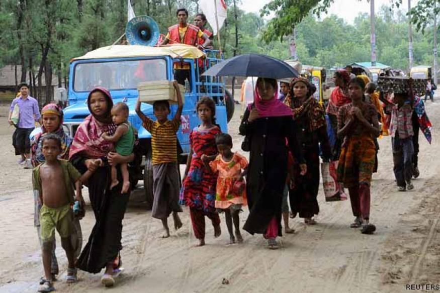 Bangladesh: 1 million evacuated as cyclone nears