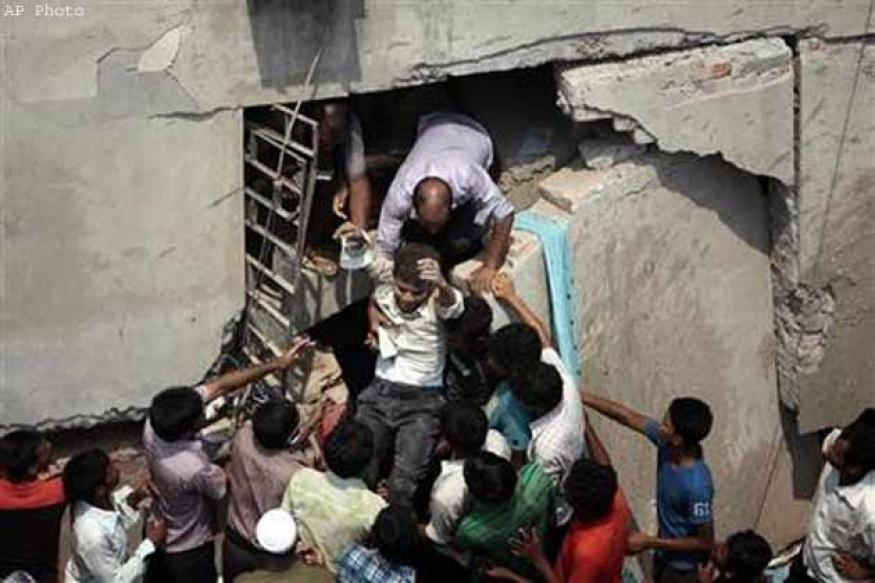 Bangladesh building collapse toll nears 600