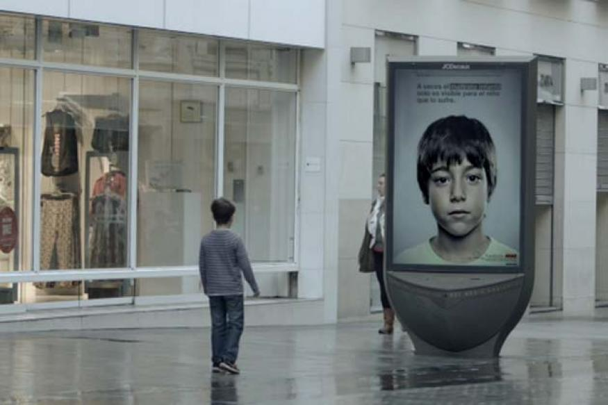 Viral: A child sexual abuse hotline advertisement visible only to children
