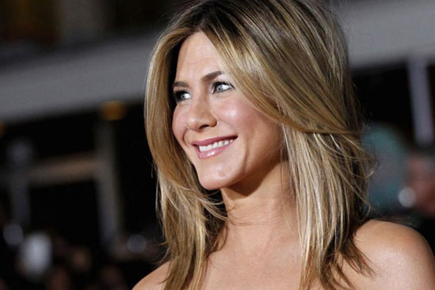 Jennifer Aniston practices yoga to de-stress herself