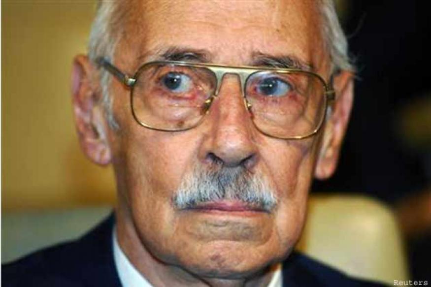 Former Argentine dictator Videla dies in prison at age 87